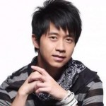 中国中華圏で活躍する人気歌手。光良(Guāng liáng)マイケル・ウォン