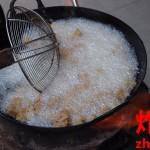 唐揚げとんかつフライドポテト。揚げる中国語表現。油で揚げる【炸】