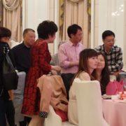 日本と結婚式の出席者の服装の違い