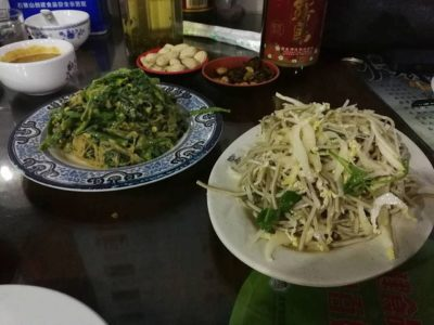 北京料理と日本の芋焼酎「赤霧島」