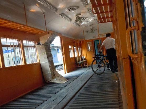 車両に搭載する自転車