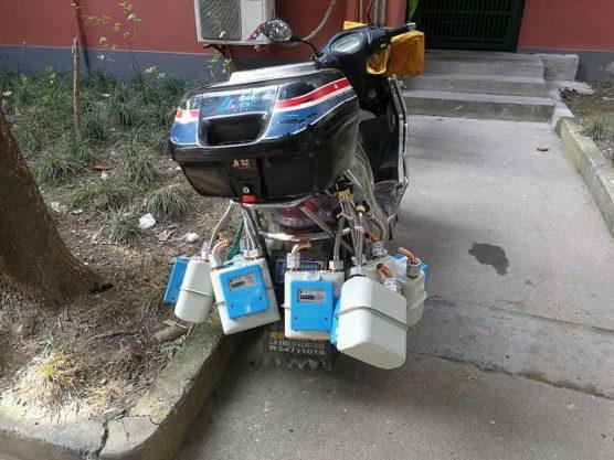 ガスメーター交換バイク