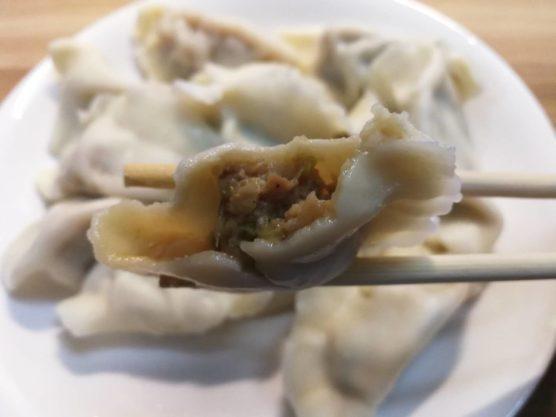 白菜と豚肉の中国本場の水餃子