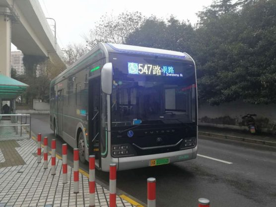 上海の電気自動車バス