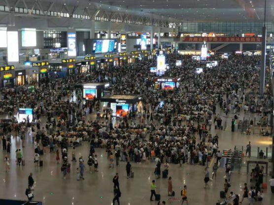 上海虹橋駅の様子