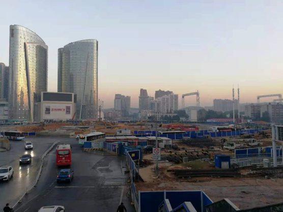 湖北省武漢の町並み建設中の都心部2